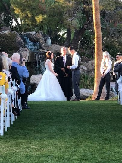 Val Vista Lakes makes for a beautiful ceremony site, especially in the winter!