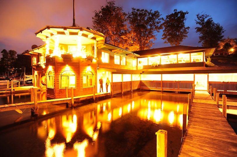 the boathouse restaurant lodges at cresthaven venue. Black Bedroom Furniture Sets. Home Design Ideas