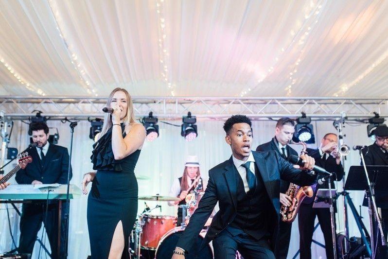 Reception band - Alison Dunn Photography