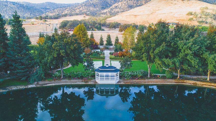 Lakeview wedding garden