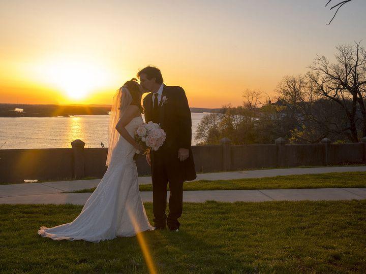Tmx 1529418977 Cae212c8204892f2 1529418976 D4bb2359567fb125 1529418961145 1 5 Jerseyville, Missouri wedding photography