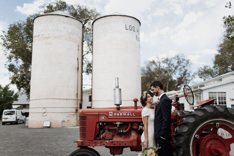 elizabeth wells photography silos and tractor 51 530870 v1
