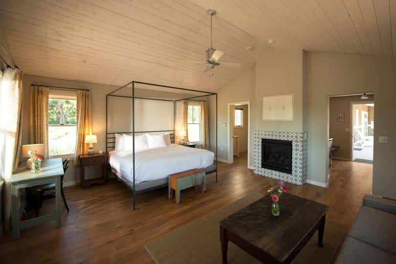Inn Field Room