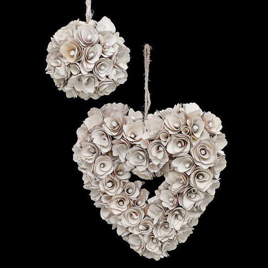 Cream Wood Curl Ball & Heart