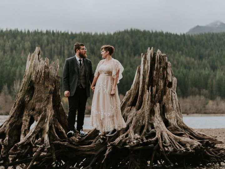 Tmx 1501359633418 Stolenglimpsesweddingphotography Seattle, Washington wedding photography