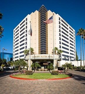 Exterior view of Embassy Suites - La Jolla