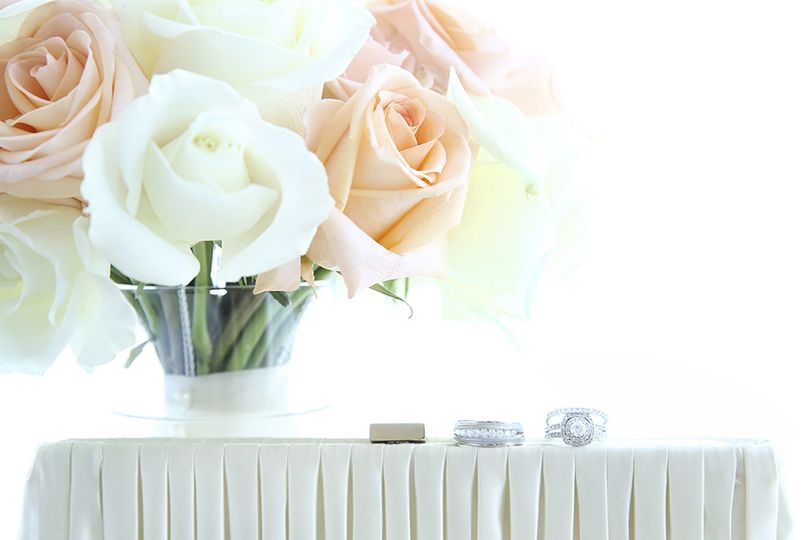 Roses and rings DLGM Weddings