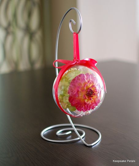 """4"""" round ornament with stand"""