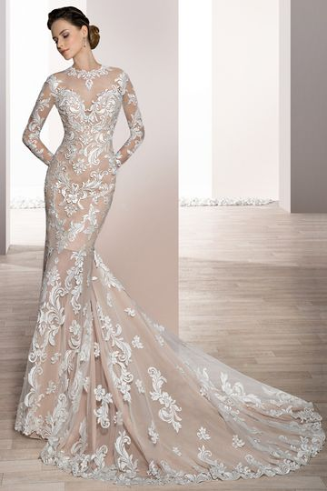 Style 720  Vintage glamour describes this timeless Sheath gown with Sweetheart neckline over...