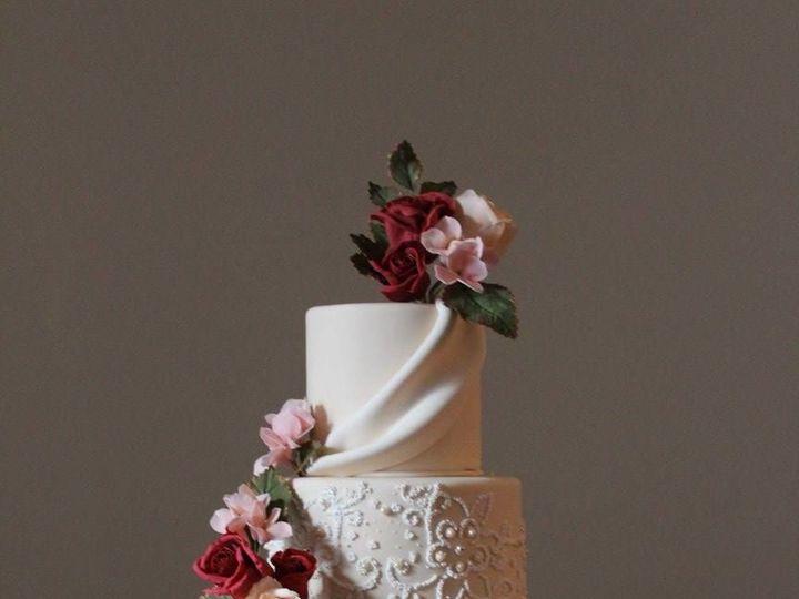 Tmx 1527278397 E1a64c66c5ca0a81 1527278396 3eb3ba31396be8b1 1527278408789 6 Cecelia Lancaster, PA wedding cake