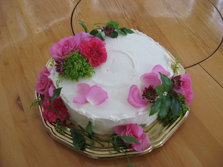 One tier anniversary cake