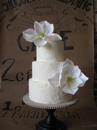 Wedding cake w/silk flowers