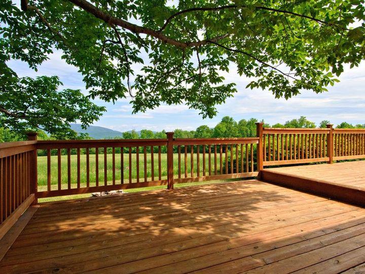 deck off lounge