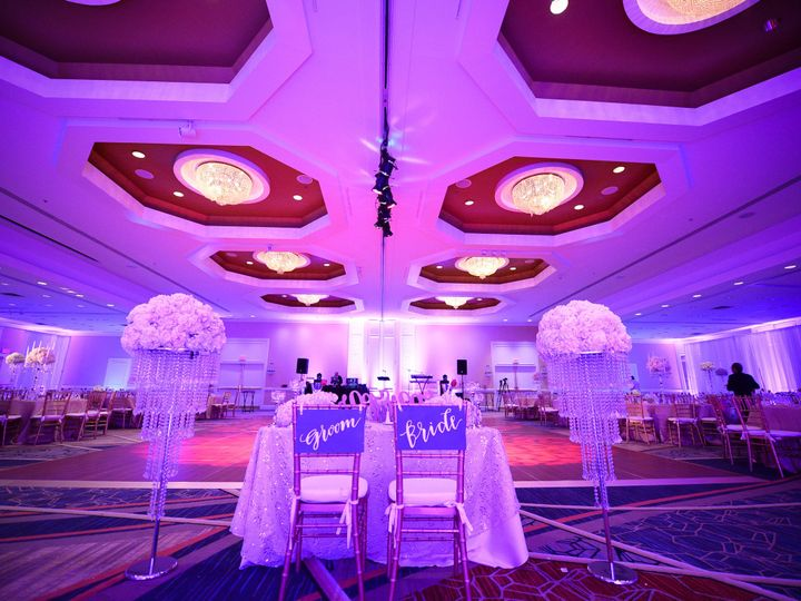 Tmx 1452198526141 Behind Bg Head Tablekarakozian 1461 Burlington wedding venue