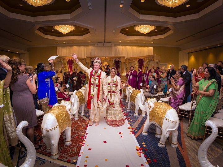 Tmx 1516812906 3765b005d6f16503 1516812903 83888e5eb559fbc8 1516812902003 5 Ceremonypeople Burlington wedding venue