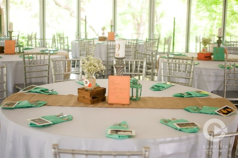 Table setting and pastel decor