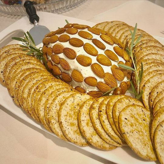Herbed Cheese Platter