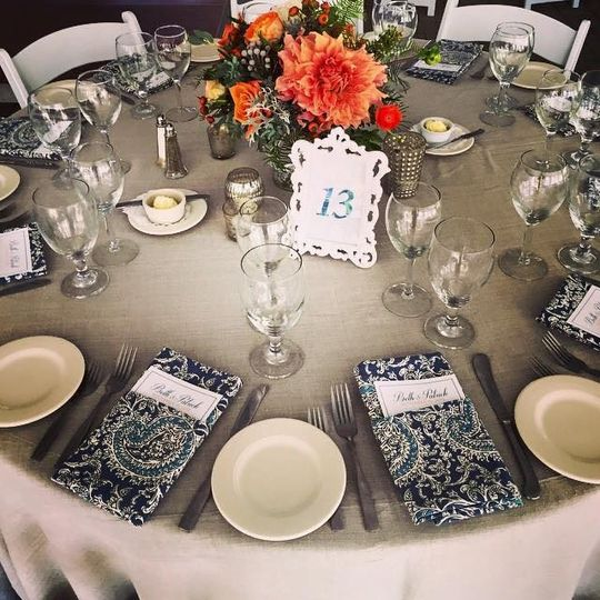 flax with 297 blue paisley napkins