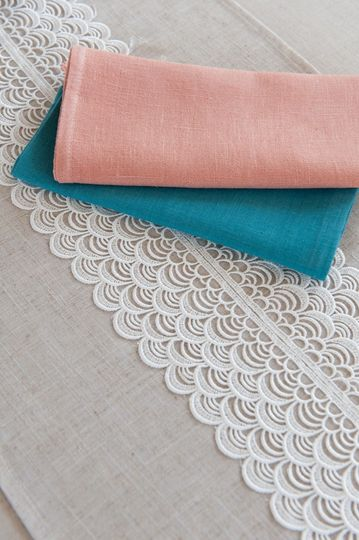 linen and lace runner 2