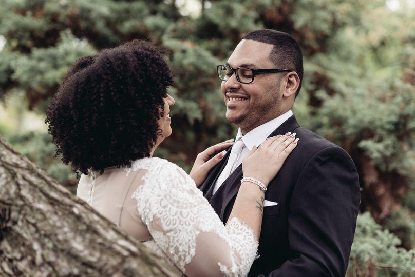 Loving you |Photo by Warm Up Wedding