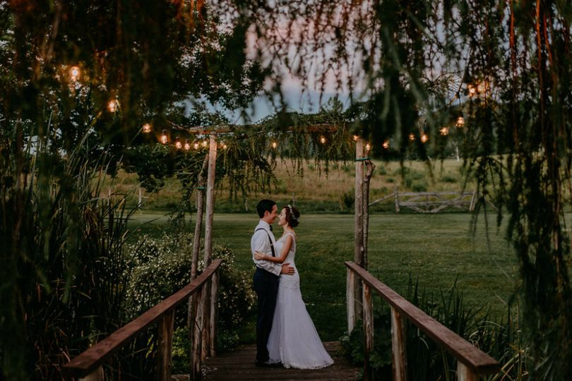 summer wedding in vermont round barn
