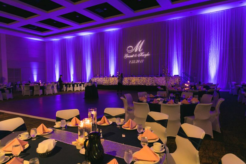 Traviz events lighting decor appleton wi weddingwire 800x800 1511446977703 grant kayla reception 0163 junglespirit Images