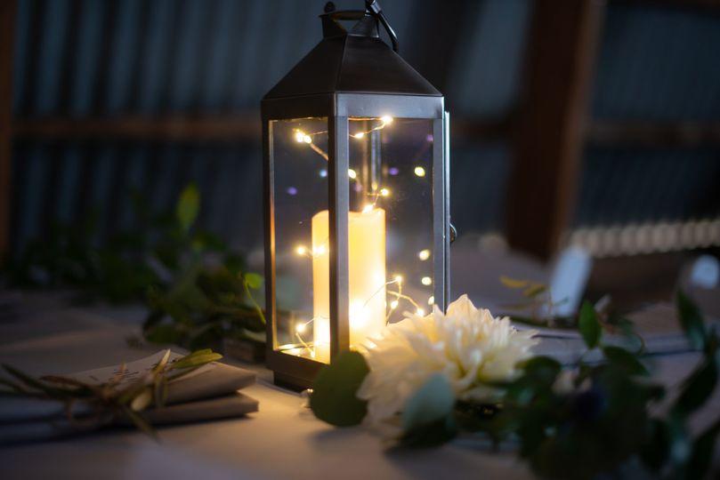 Lantern & floral centerpiece