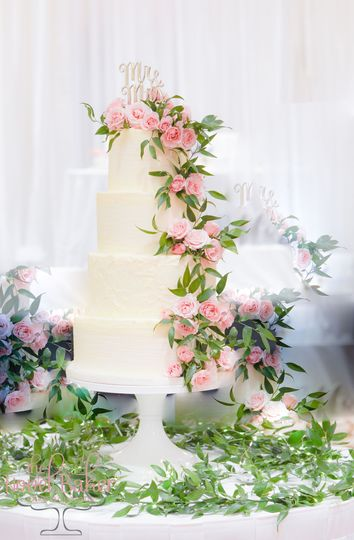 Wedding cake with Pink Cascade