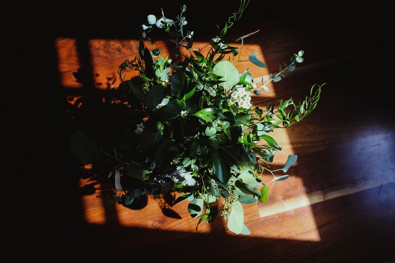 Light falling on the bouquet