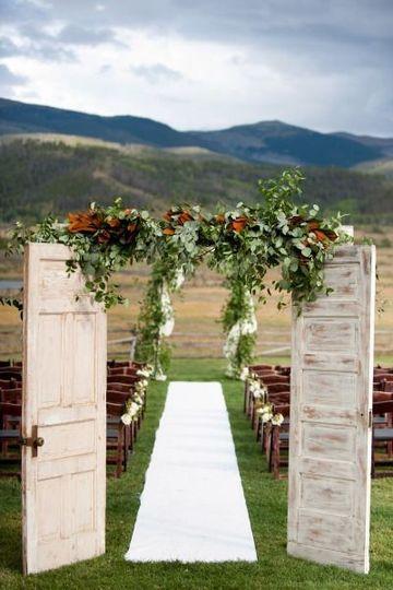 rustic door ceremony aisle decor