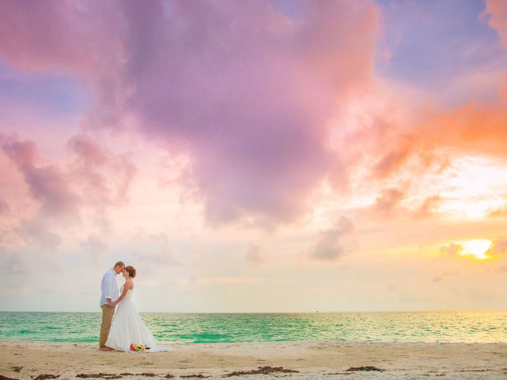 Tmx 1519237968 C45c57de01654738 1519237934 Baba451b98fc686f 1519237883060 68 Tampa Riverview B Riverview, FL wedding photography