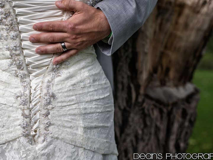 Tmx 1516122350 A48c88f8b18c2b8a 1516122347 0241cbcadc9bfab9 1516122345202 11 A A 0561 Watertown, WI wedding photography