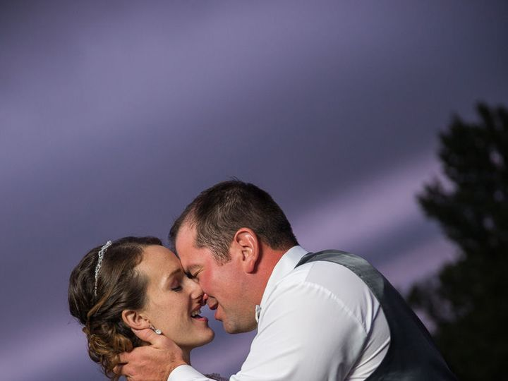 Tmx 1516128236 4b05fcc93b8211d6 1516128235 231367ddfcbbd5f9 1516128229964 3 Ashley Matt 0513 Watertown, WI wedding photography