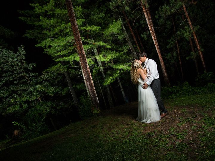 Tmx 1516128242 E960757c0058da9d 1516128240 45db995cd5bd4cbb 1516128229969 12 Lindsey Billy 062 Watertown, WI wedding photography
