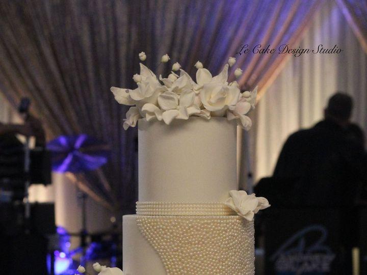 Tmx 1519157570 06e7048d9896a058 1519157567 F47aa5ad5951c4a0 1519157566943 3 IMG 2245 Copy Bettendorf, IA wedding cake