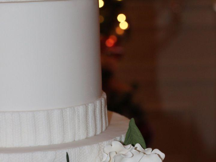 Tmx 1519311404 4fe03cb696900382 1519311401 Cf3bb6d479eb6475 1519311399546 6 IMG 2433 Bettendorf, IA wedding cake