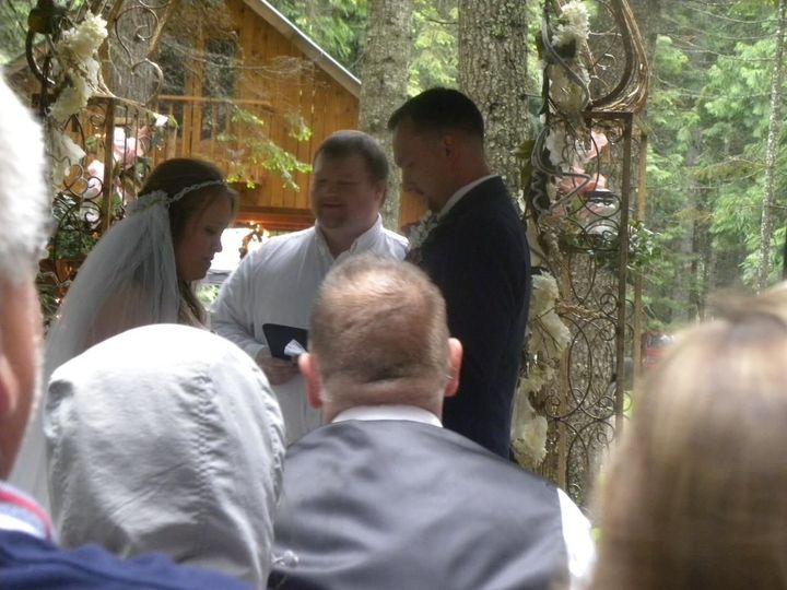 Tmx 1528684965 69f31bcdc06635bb 1528684964 B1f45a9c2acbc4cd 1528684959263 1 34796532 198006476 Post Falls, ID wedding planner
