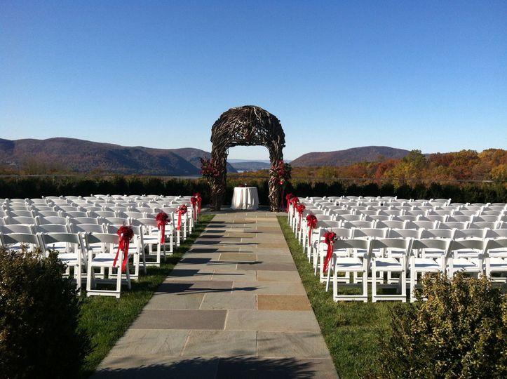 outdorr wedding set up