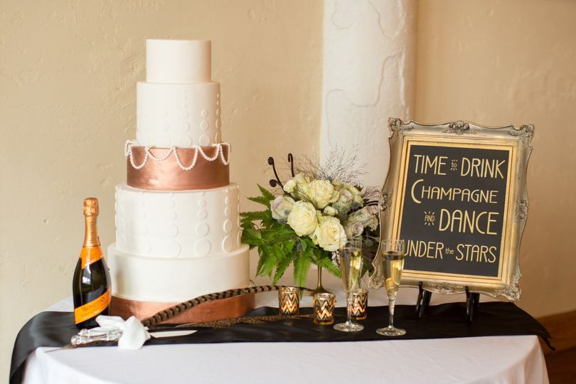 Cardinal Cake Company Wedding Cake Blue Springs Mo Weddingwire
