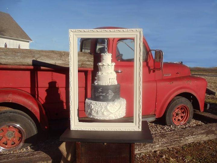 Tmx 1446480400770 10849986523435511092260235286863393391859n Blue Springs wedding cake