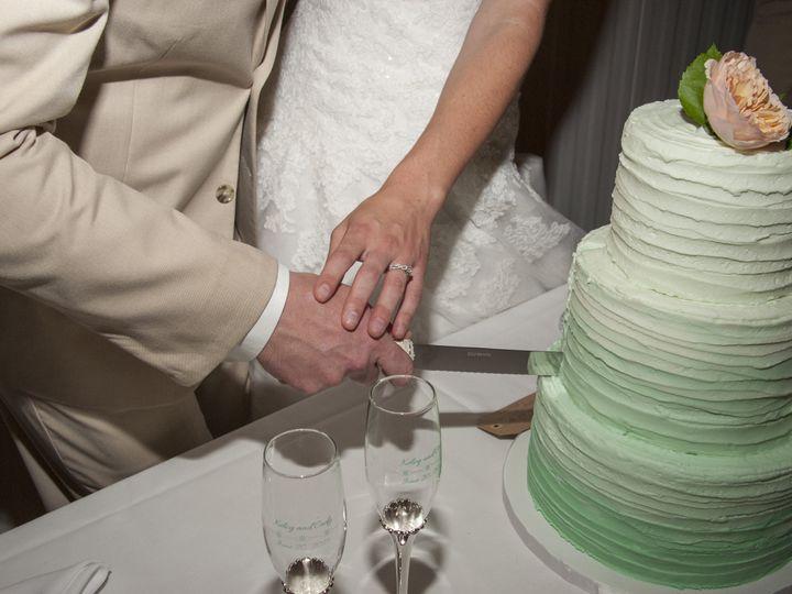 Tmx 1446481236111 Cutting Close Up Blue Springs wedding cake