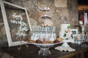A La Carte Catering + Event Design