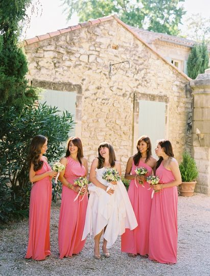 bridesmaidslaughing