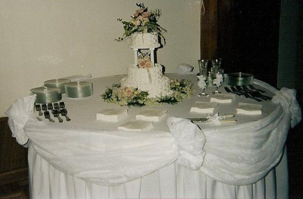 A cake table at a previous wedding