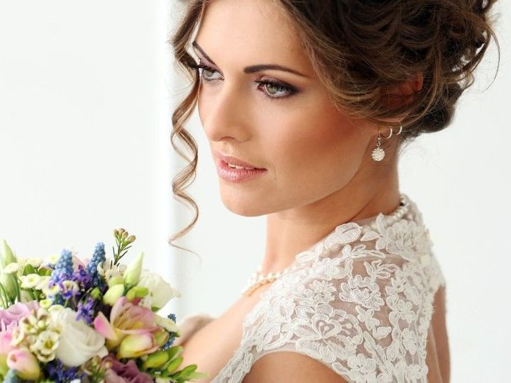 Tmx 1518366035 25fab705b7391864 1518366034 2ab7fd2f0e4e3b1e 1518366042153 1 Canstockphoto19733 Allison Park, PA wedding dress