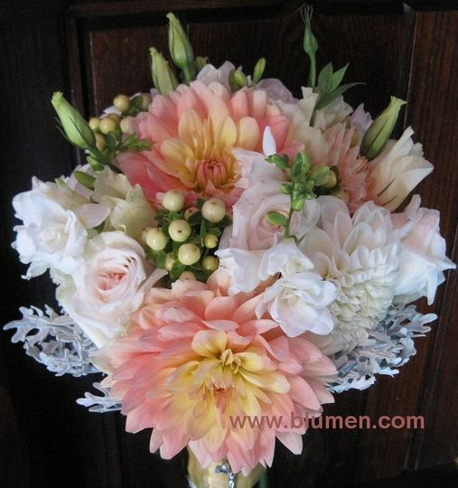 saras bouquet cropped