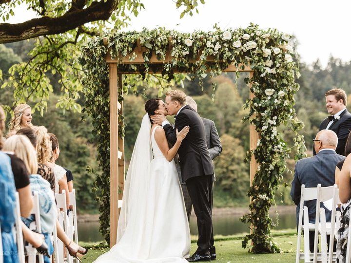 Tmx 1522345862 021af7d4f3551bb8 1522345860 6a8c246b7e9faf0c 1522345833739 1 0461 NELSEN 090312 Lake Oswego wedding planner