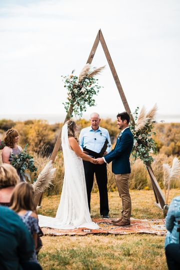 Central oregon wedding
