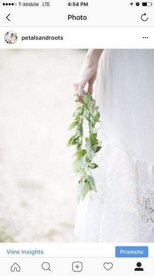A delicate green crown for an earthy bridal party.