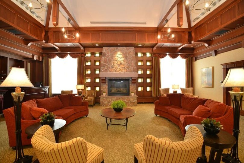 Cafe Escadrille living room
